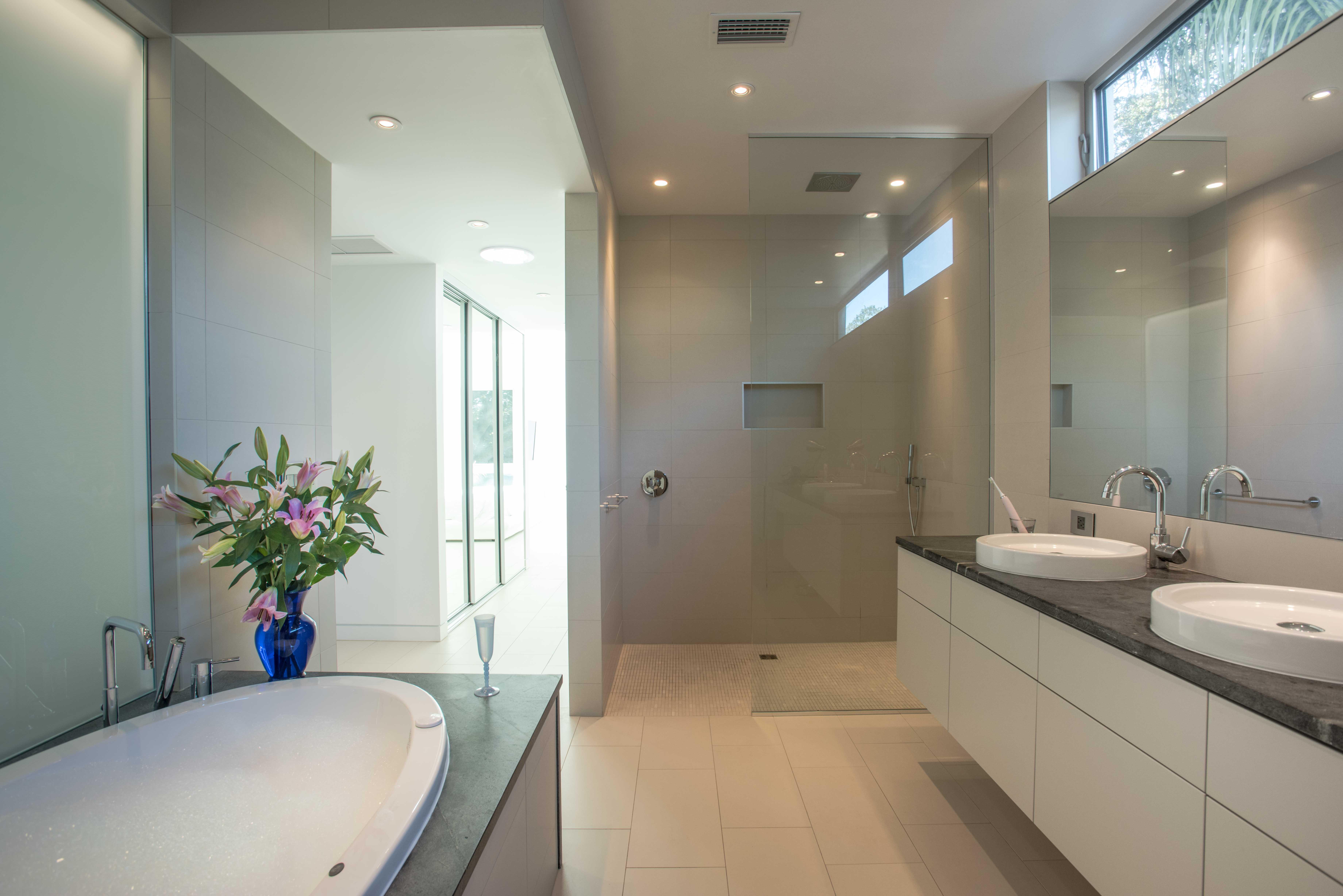 Master Bathroom, Bathroom, Architectural Design, Architectural Glazing, Architectural Photography, Architecture, Dale Parks, Dale Parks Architect, dining room, Florida, Glass Architecture, Modern Architecture, Residntial, Sarasota, Tahiti Park